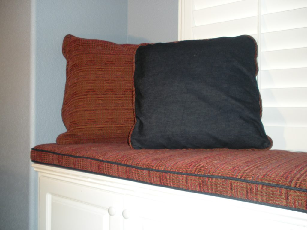 """Casual 3"""" seat cushion with denim decorative pillows"""